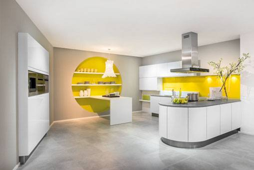 Der Küchenrenovierer + Elektrogeräte im Hause Vierländer Küchenwelt