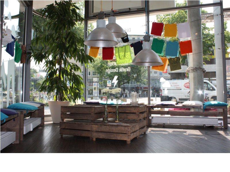 SAM SHIRTS AND MORE GmbH