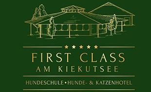 Logo von Hundeschule & Hunde- und Katzenhotel FIRST CLASS am Kiekutsee R. Lütjohann Tierpension